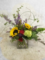 Sunny and Delightful from your Sebring, Florida florist