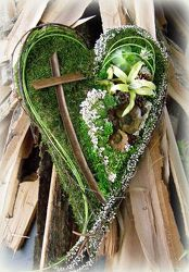 Organic Heart from your Sebring, Florida florist